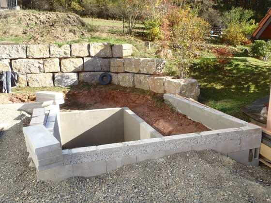Bau unseres kleinen schwimmteiches schwimmteichbau der for Pool graue folie