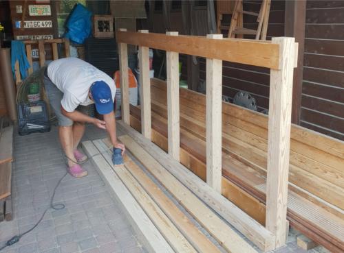 Vormontage Holzverkleidung