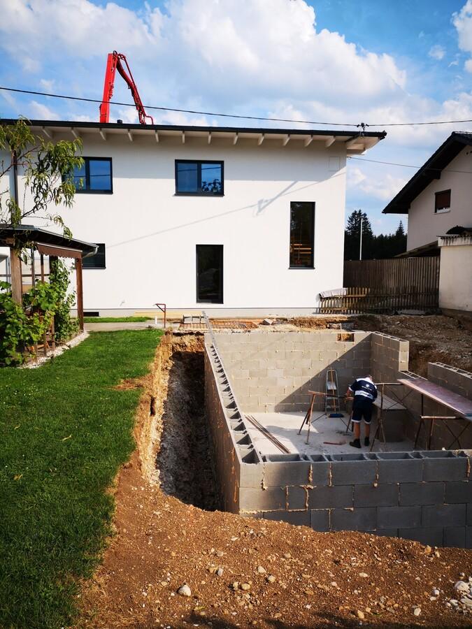 Beton zum Verfüllen der Schalungssteine